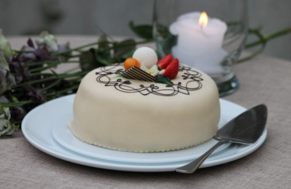 Baker Brun - Marsipankake