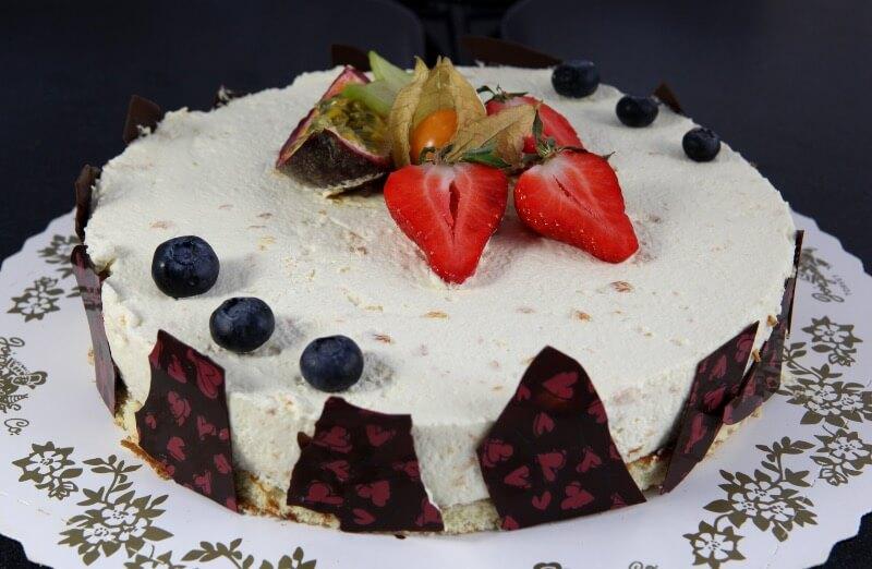 Baker Jørgensen - Moussekake Pasjonsfrukt