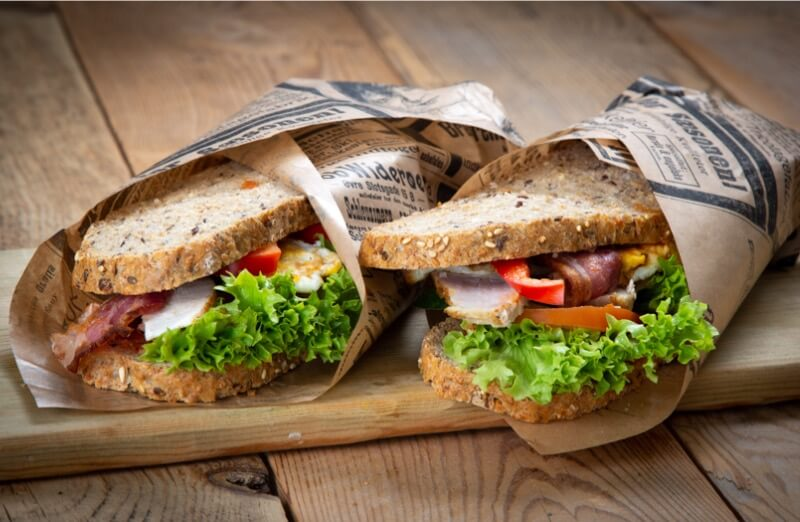 Ryfylket bakeri & konditori - Sandwich med kylling bacon, pesto og stekt egg