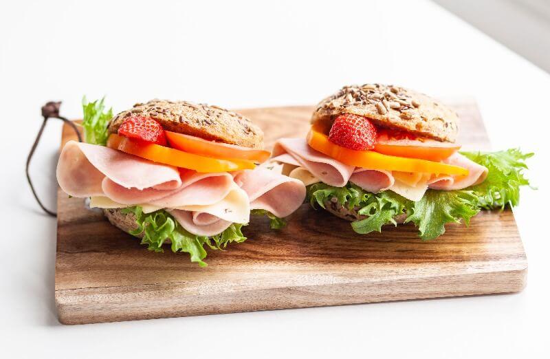 Rosenborg bakeri - Glutenfrie rundstykker med pålegg