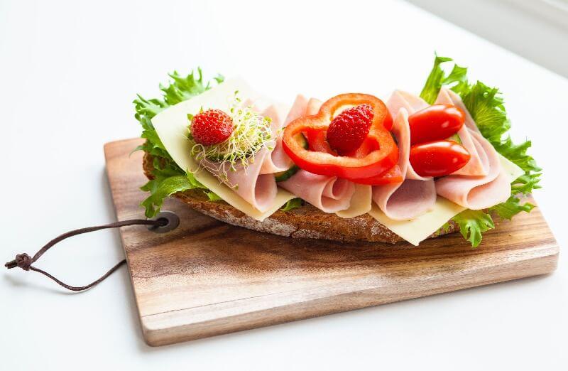 Rosenborg bakeri - Smørbrød med ost og skinke