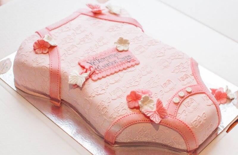 Rosenborg bakeri - Babyshower kake