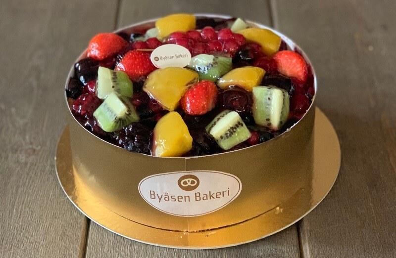 Byåsen Bakeri - Fruktkake med nøttebunn