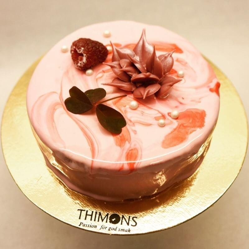 Thimons - Hallon / Vit chocladtårta