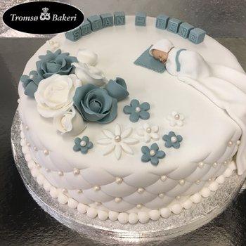 Tromsø Bakeri - Dåpskake med dåpskjole